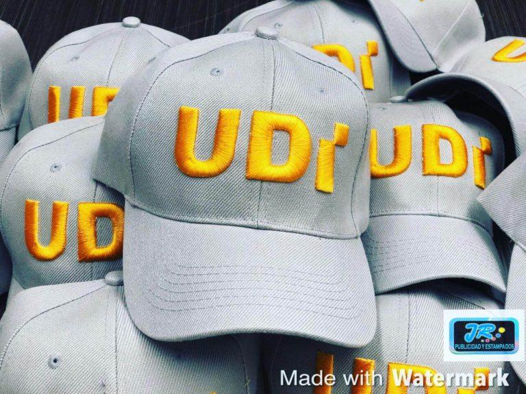 gorras personalizadas udi gris y oro