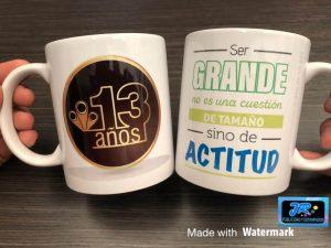ser grande es una cuestión de actitud mug personalizados