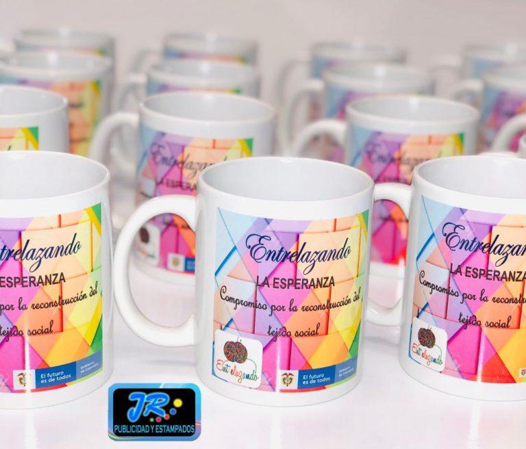 mugs personalizados entrelazando la esperanza